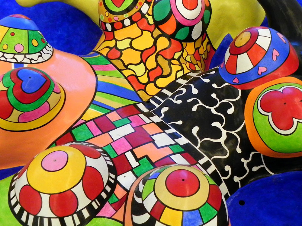 l 39 arte di niki de saint phalle travel on art. Black Bedroom Furniture Sets. Home Design Ideas