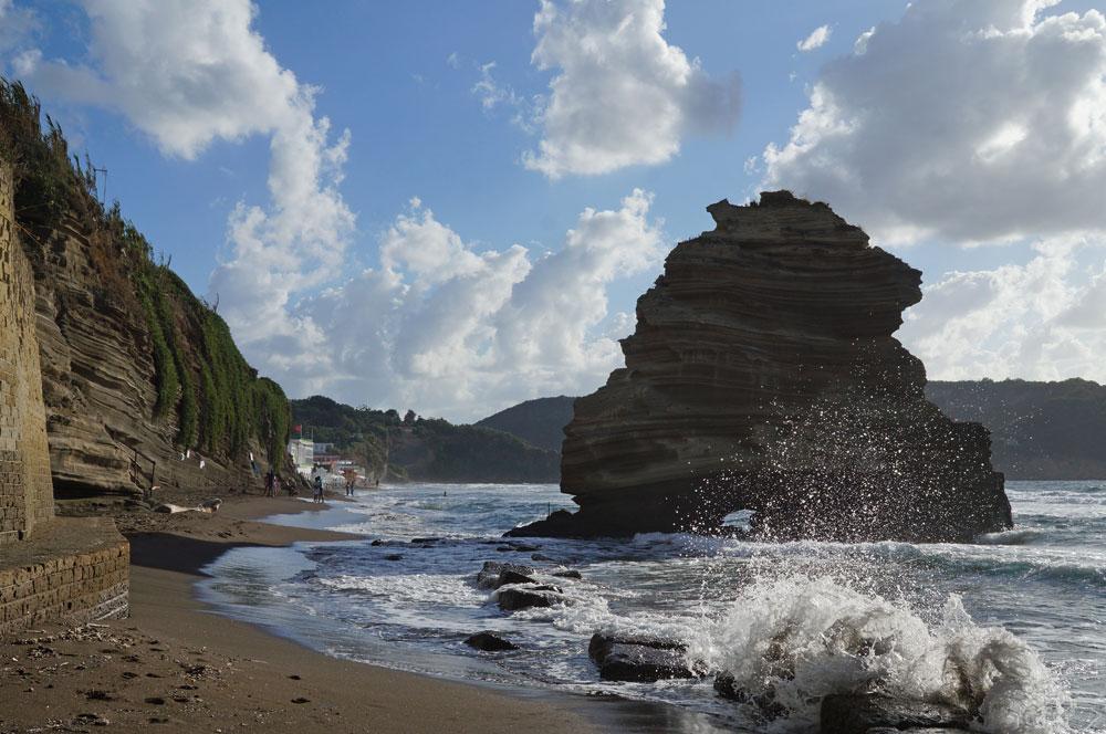procida cosa vedere spiaggia
