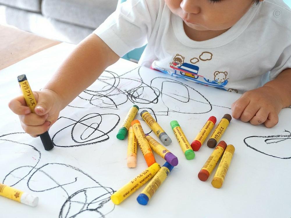 come-insegnare-l'arte-contemporanea-ai-bambini