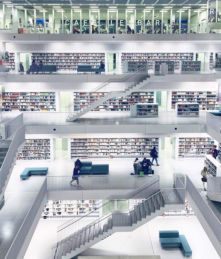 stoccarda cosa vedere biblioteca
